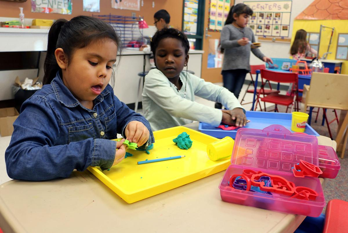 Learning Through Play >> Ops Kindergartners Learning Through Playing Bellevue Leader