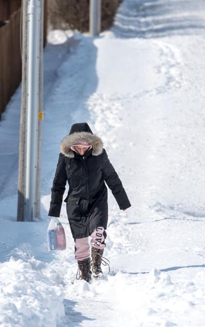 20190227_new_snowpedestrians02 (copy) (copy) (copy)