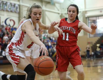 Weeping Water junior Grace Cave commits to UNO women's basketball