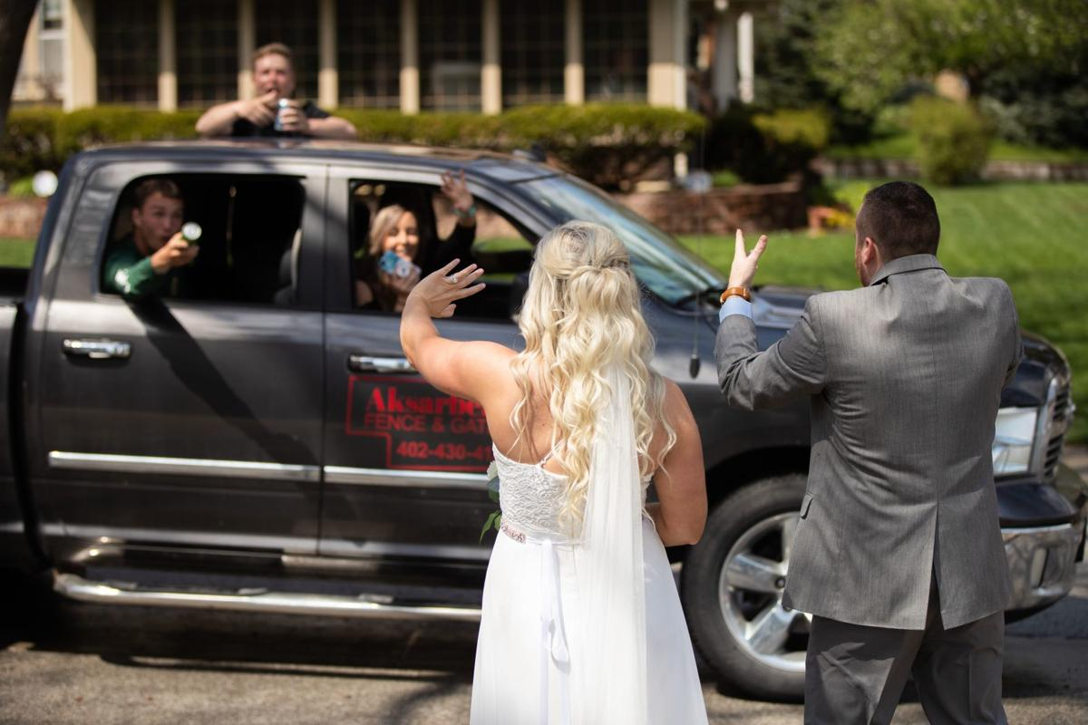 20200427_new_weddings_ar02