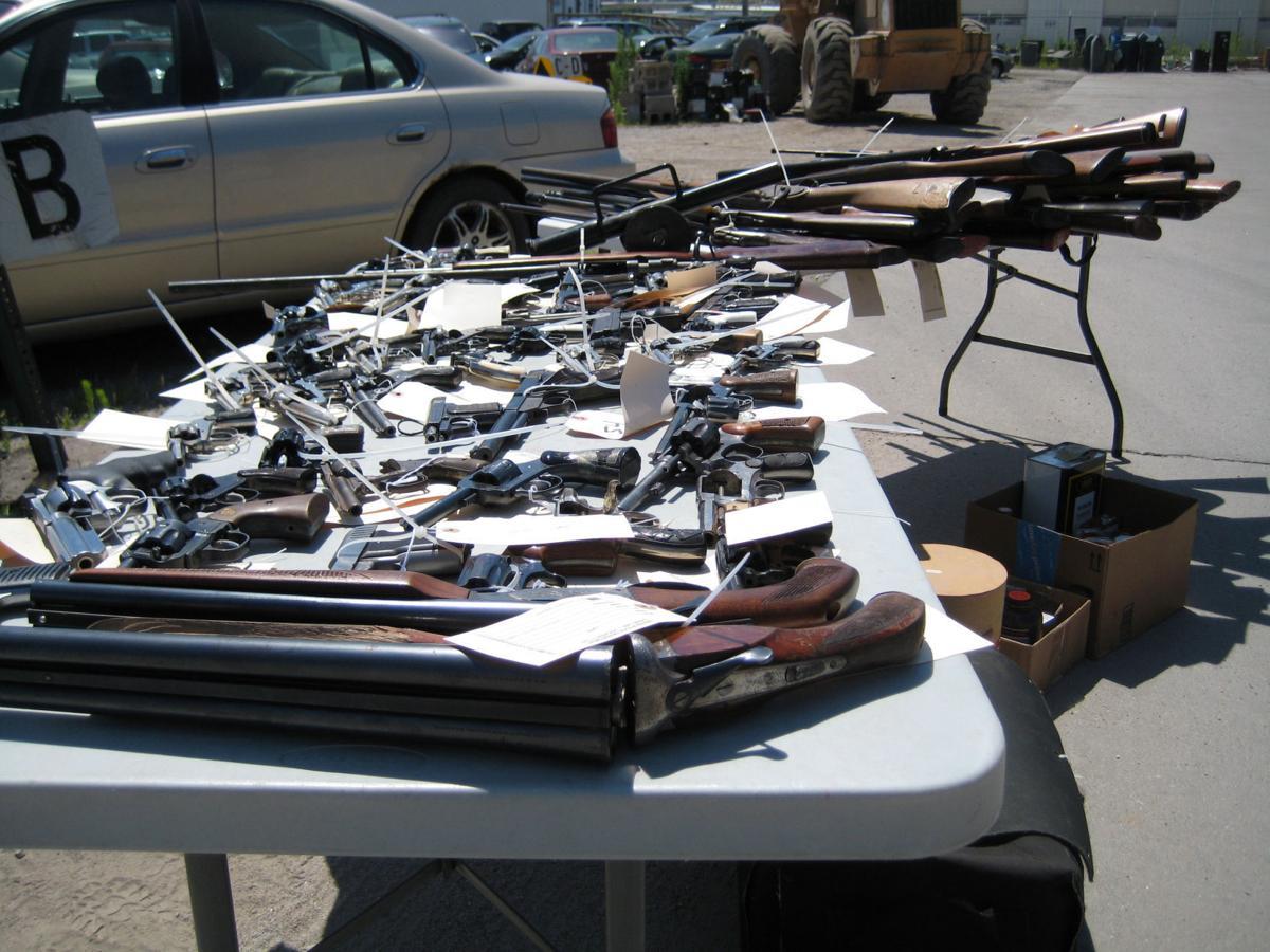 Gun amnesty day 2017 SNI