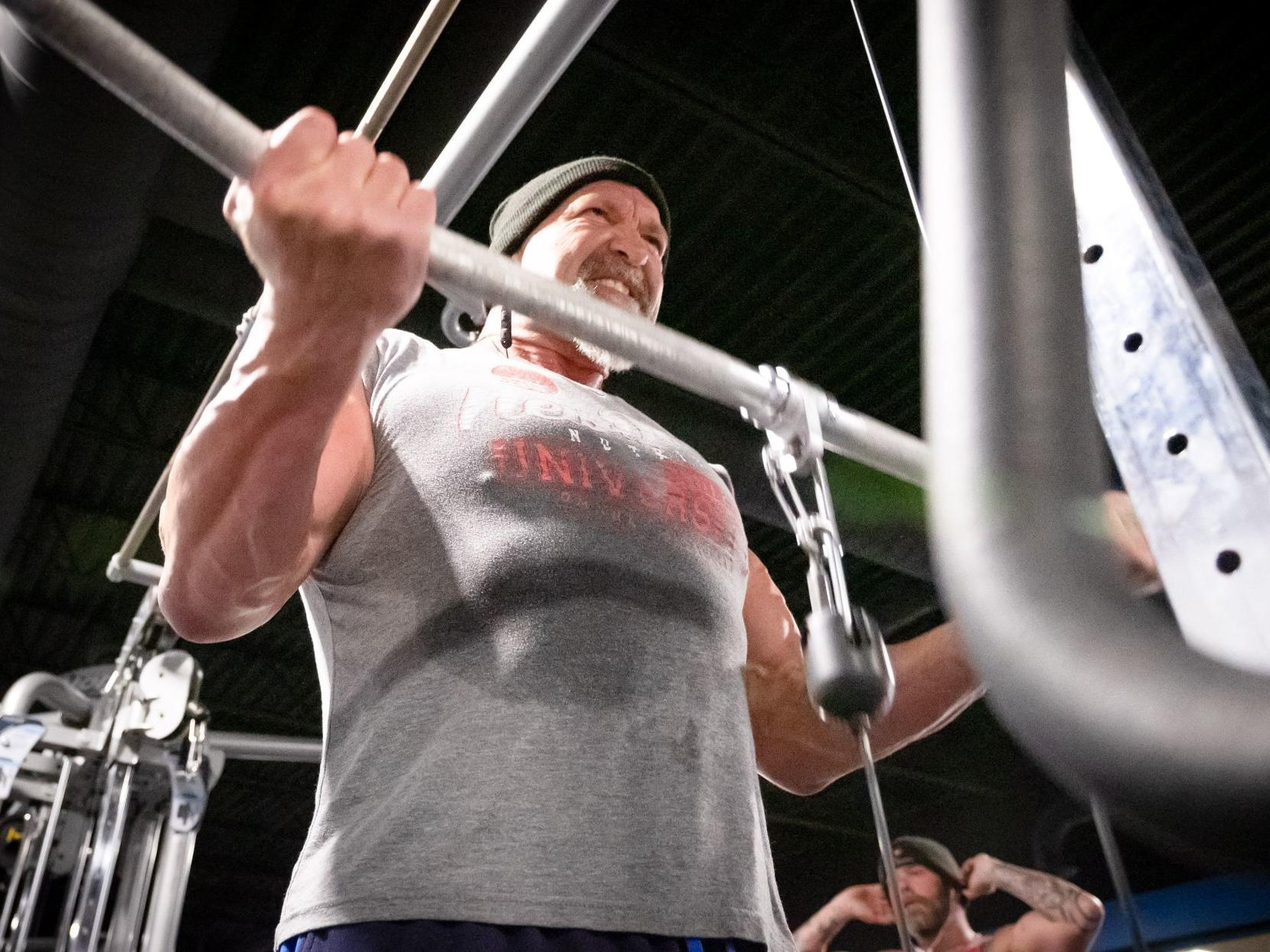 Omaha man pushes through back pain to hit the gym six days a week, sometimes twice a day