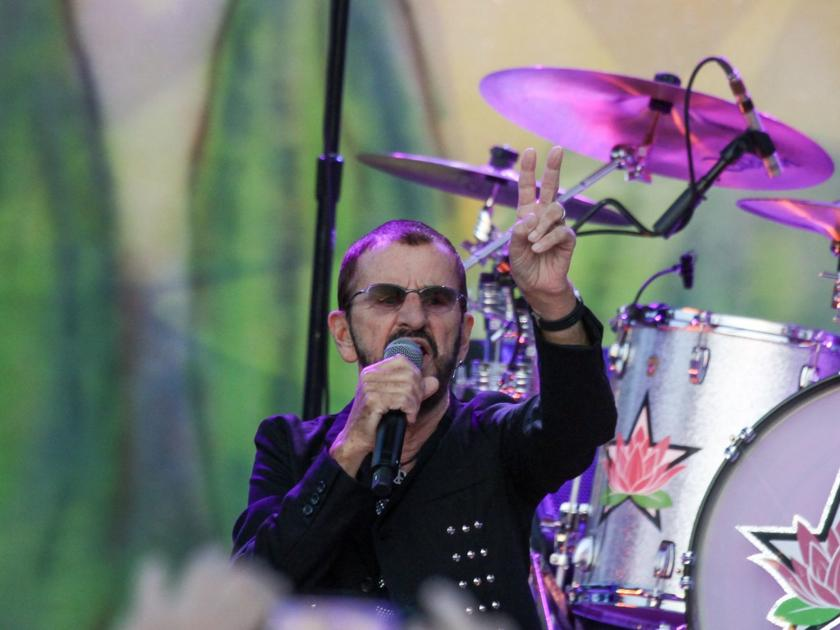 Review: Ringo is the main star at Stir Cove, but bandmates shine just as brightly