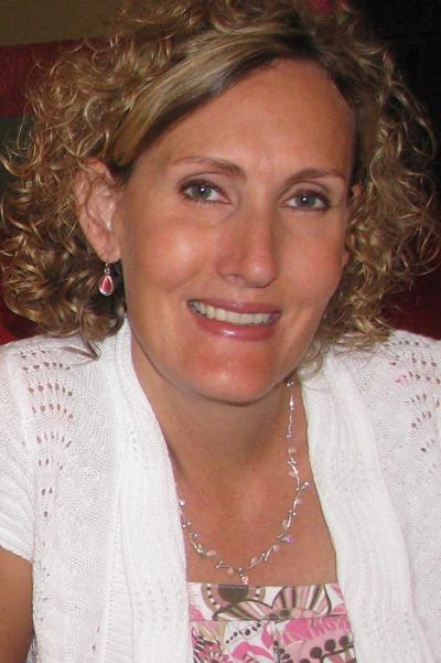 Laura Coufal (mug)
