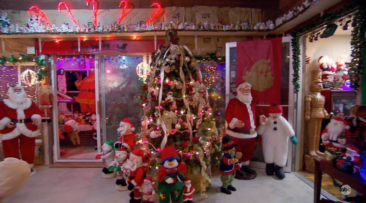 100 000 Lights 90 Inflatables And More Nebraska Couple