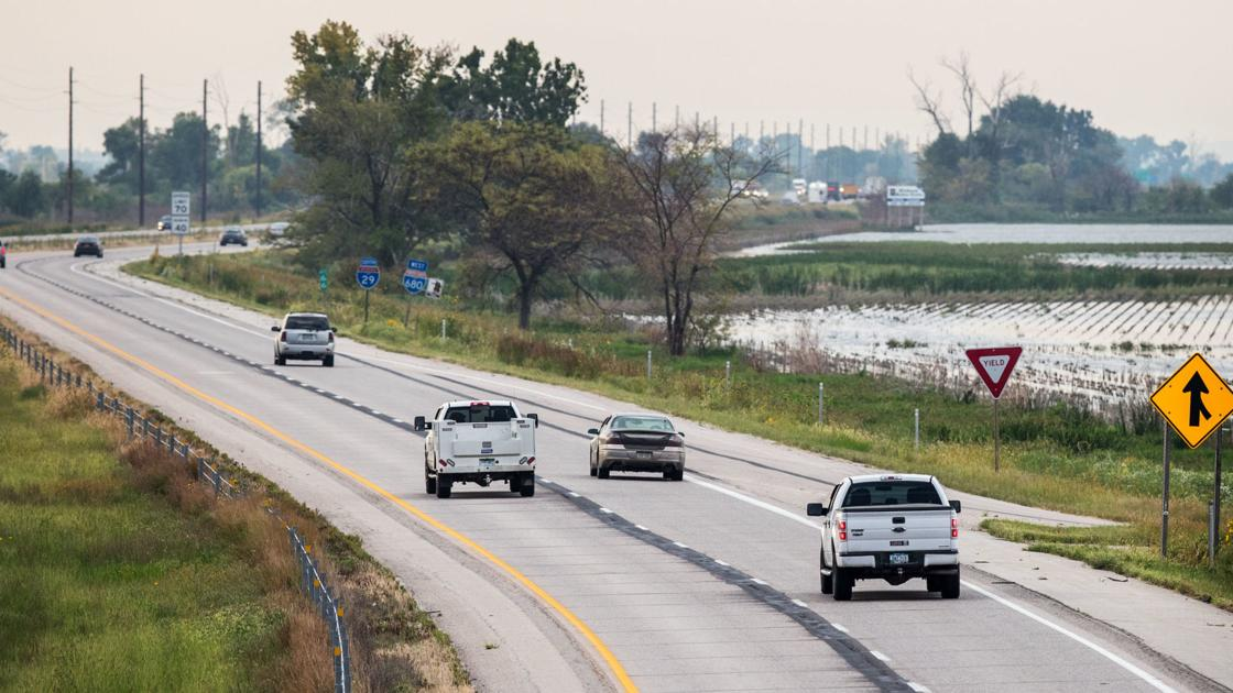 I-29 expected to remain open for evening commute as Missouri River flooding closes some roads