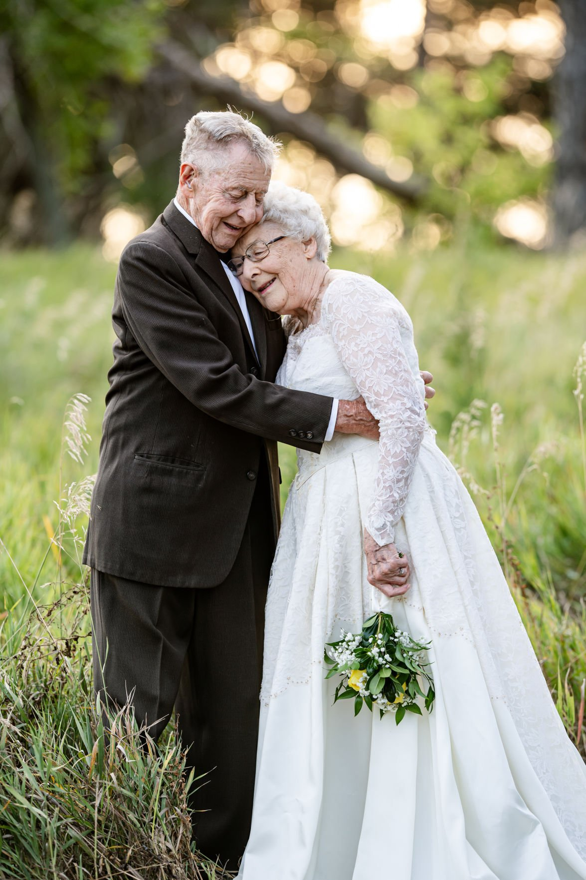 Nebraska Couple Dons Original Wedding Dress Suit In Sweet Photo After 60 Years Of Marriage Weddings Omaha Com