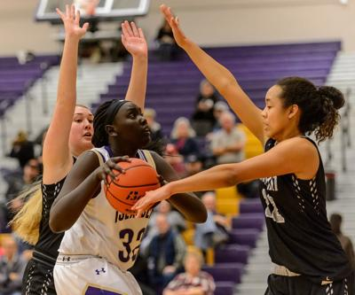 Impressive summer helps Lincoln High junior Kaysia Woods