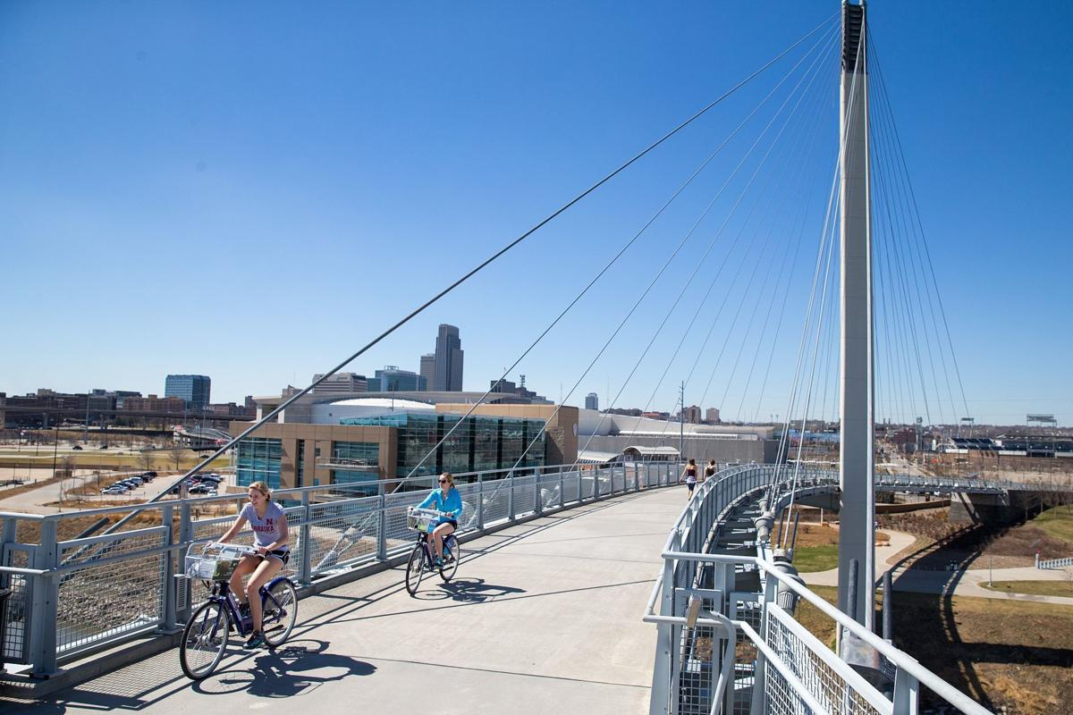 Low-cost blue bicycle rental a fun, 'green' way to tour Omaha