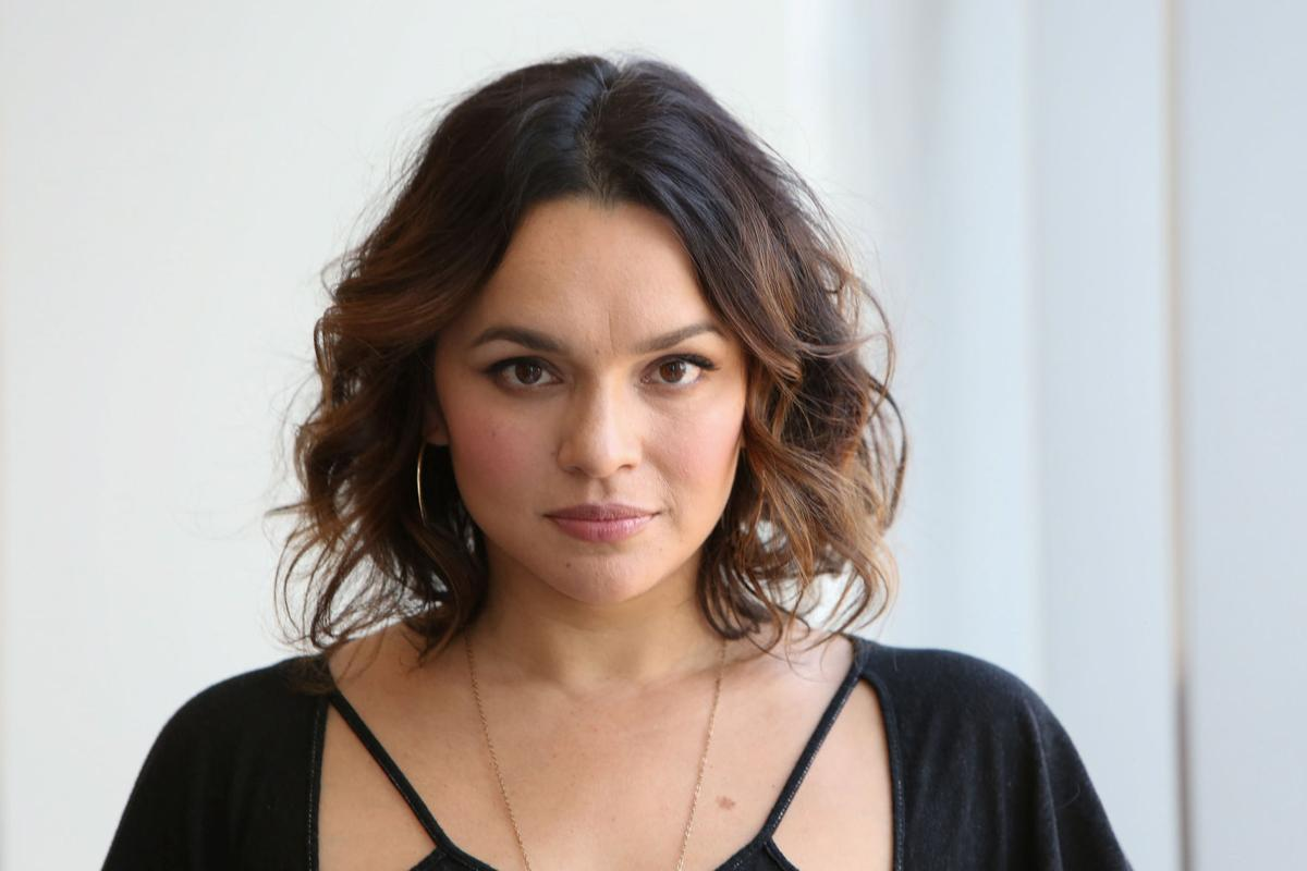Norah Jones says fame \'happened too fast\' | GO - Arts ...