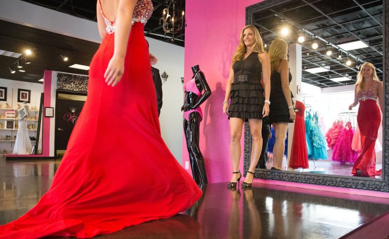New reality show 'Obsessed With the Dress' takes place at Omaha's Winning Crown Boutique