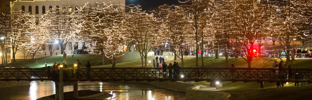Downtown Omaha aglow for Holiday Lights Festival | GO - Arts ...