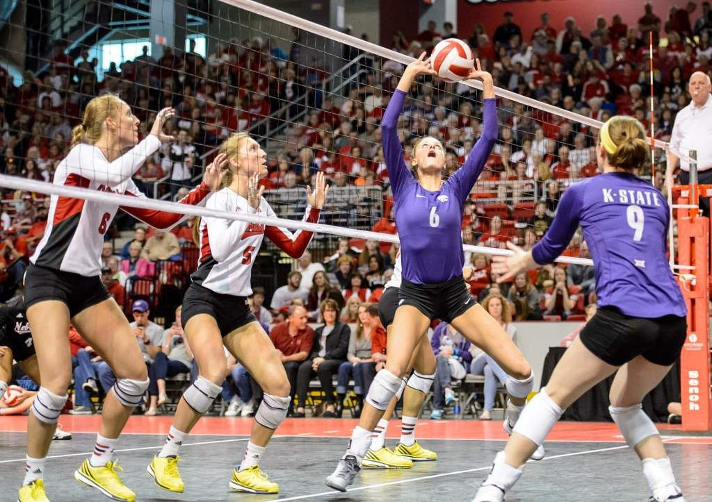 Husker volleyball sweeps K-State in Grand Island