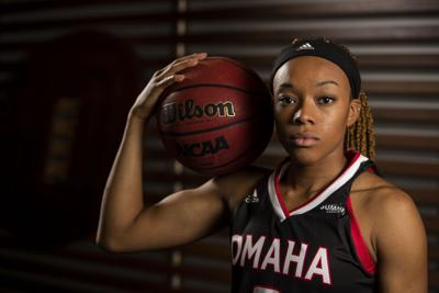Senior guard Rayanna Carter looks to set an example for a young Mavs team