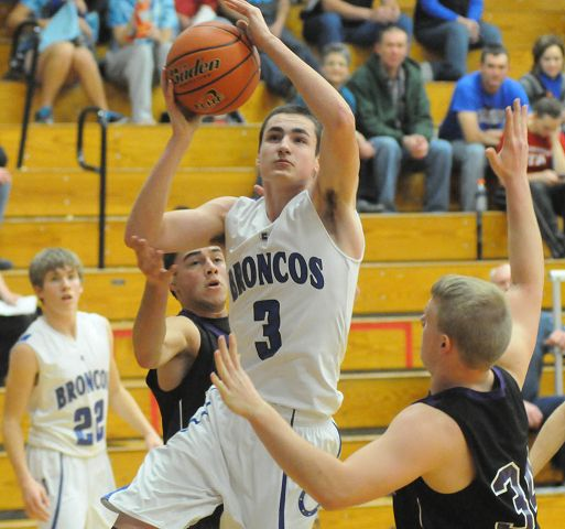 Centennial upends Fillmore Central in boys' hoops