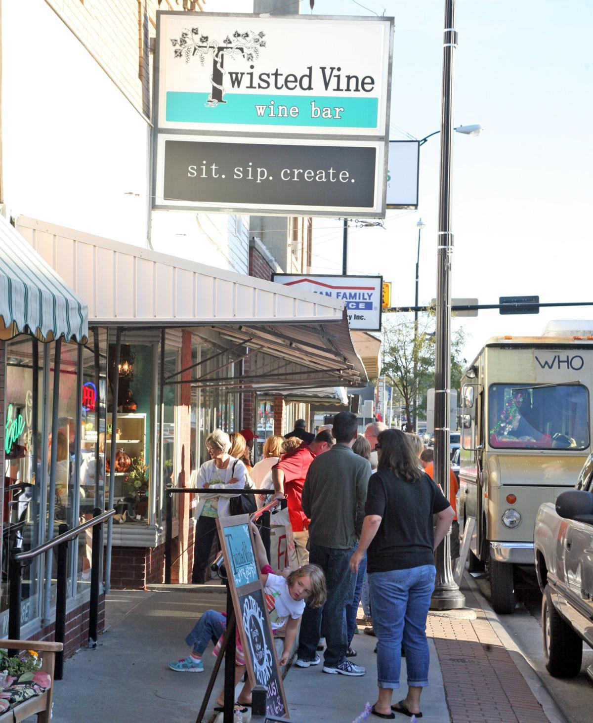 Omaha Food Trucks: Twisted Vine Brings Food Truck Fridays To Papillion