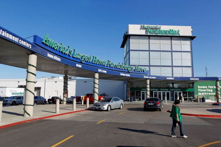Nebraska furniture mart coo ron blumkin s successor named for Furniture mart