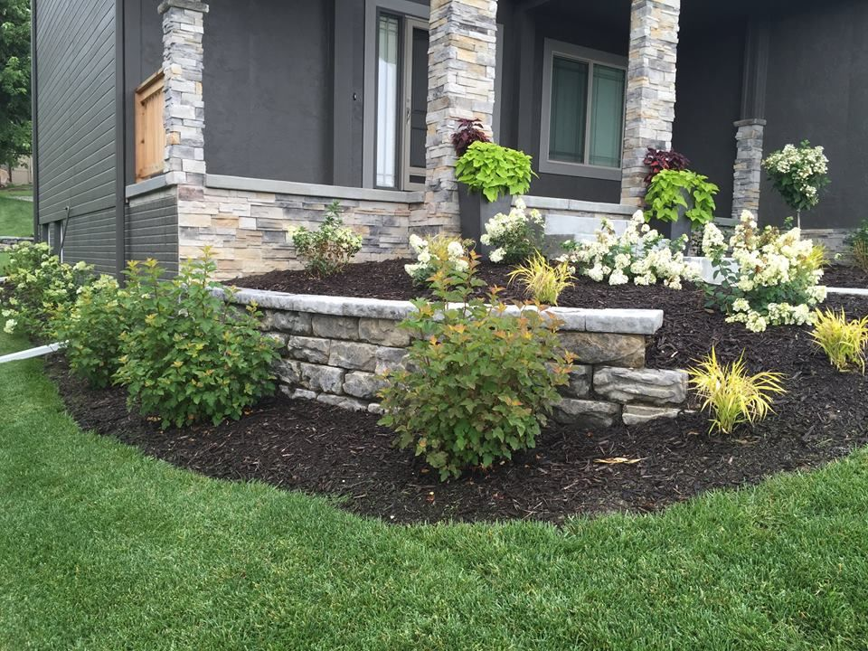 The Rock Place | Landscaping | Outdoor Living | Omaha | Retaining Wall