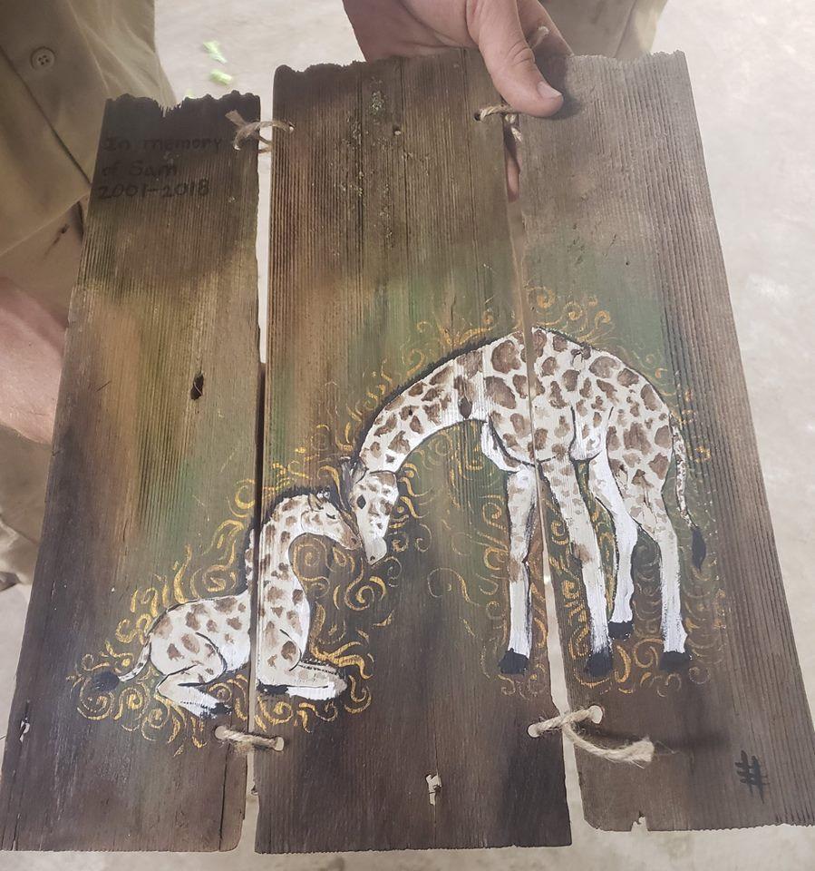 20181121_liv_giraffeplaque