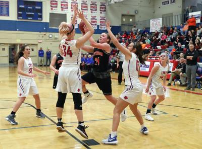 Abraham Lincoln Girls Basketball Tops Yellow Jackets For 25th
