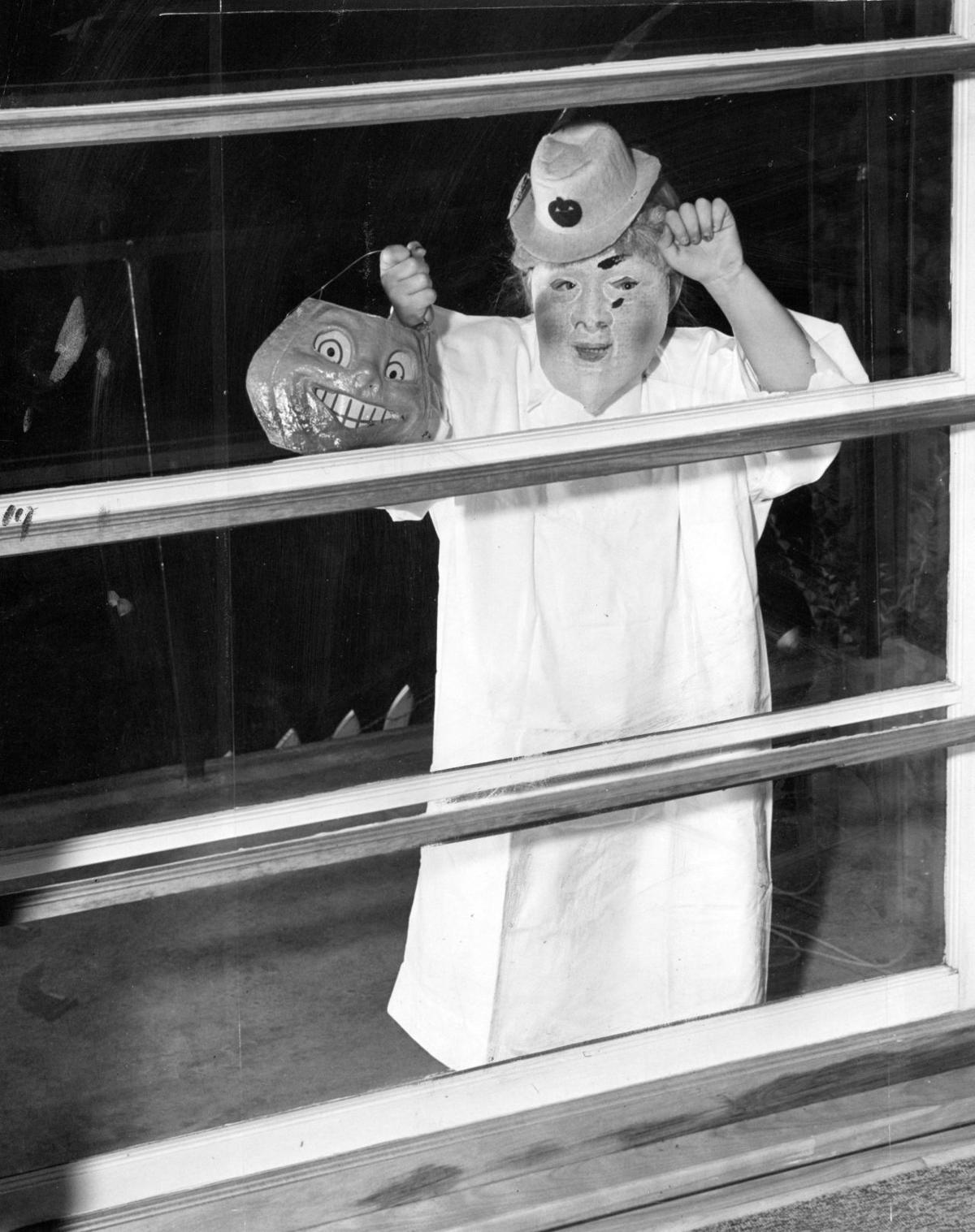 1946 - Halloween