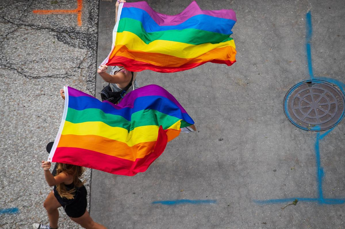 071121-owh-new-prideparade-zl3 (copy)