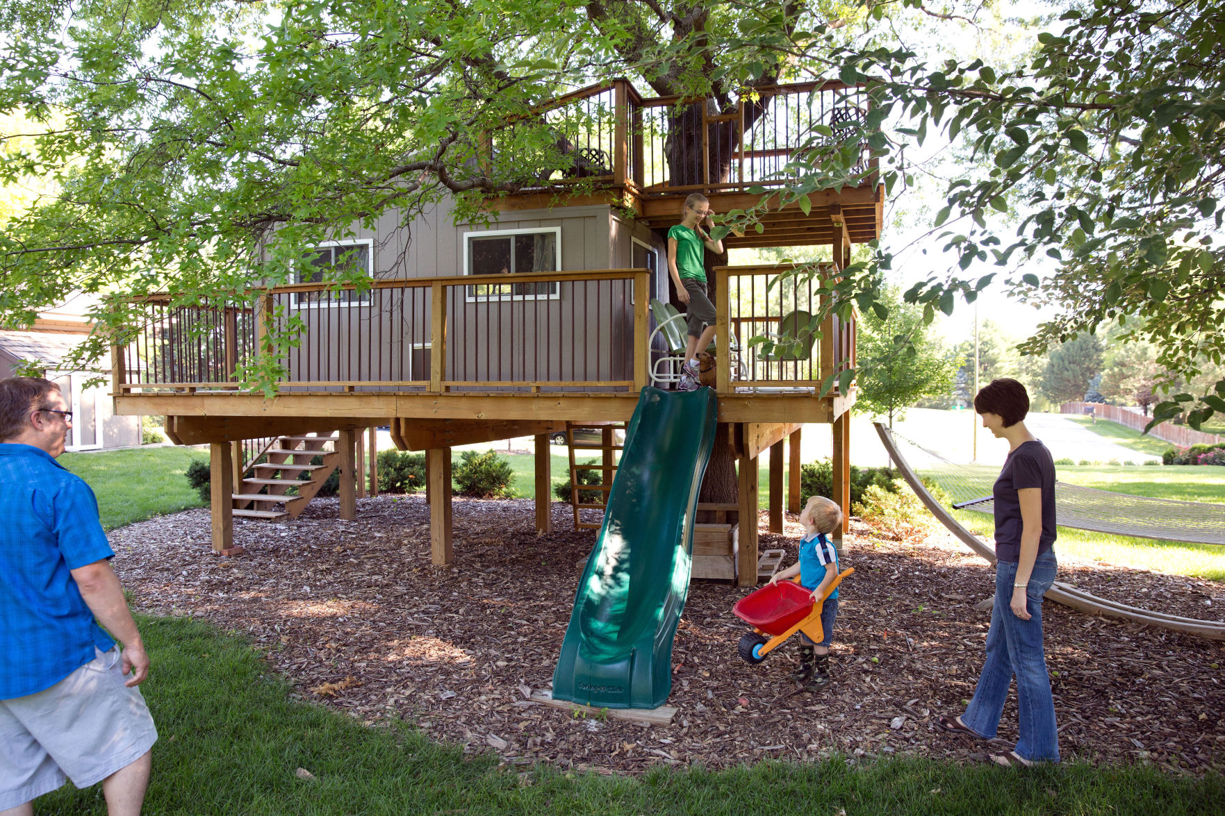 Tree house & 5 ways to personalize your kidsu0027 playhouse for endless hours of fun ...