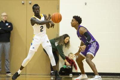 Sautter: Uncommitted players to watch at the Metro Holiday tournament