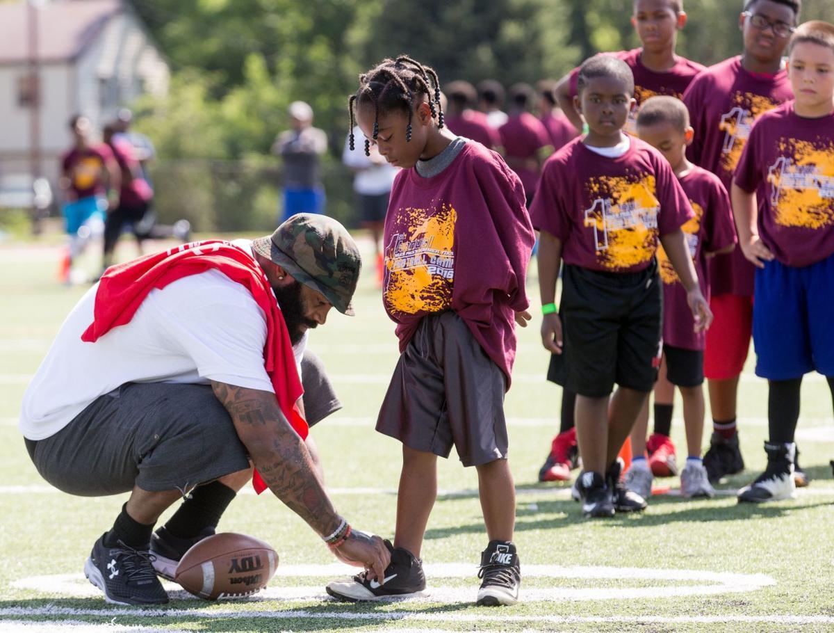 Niles Paul helps kids