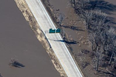 Flooding expected to close portion of I-29 north of Council Bluffs by Wednesday night
