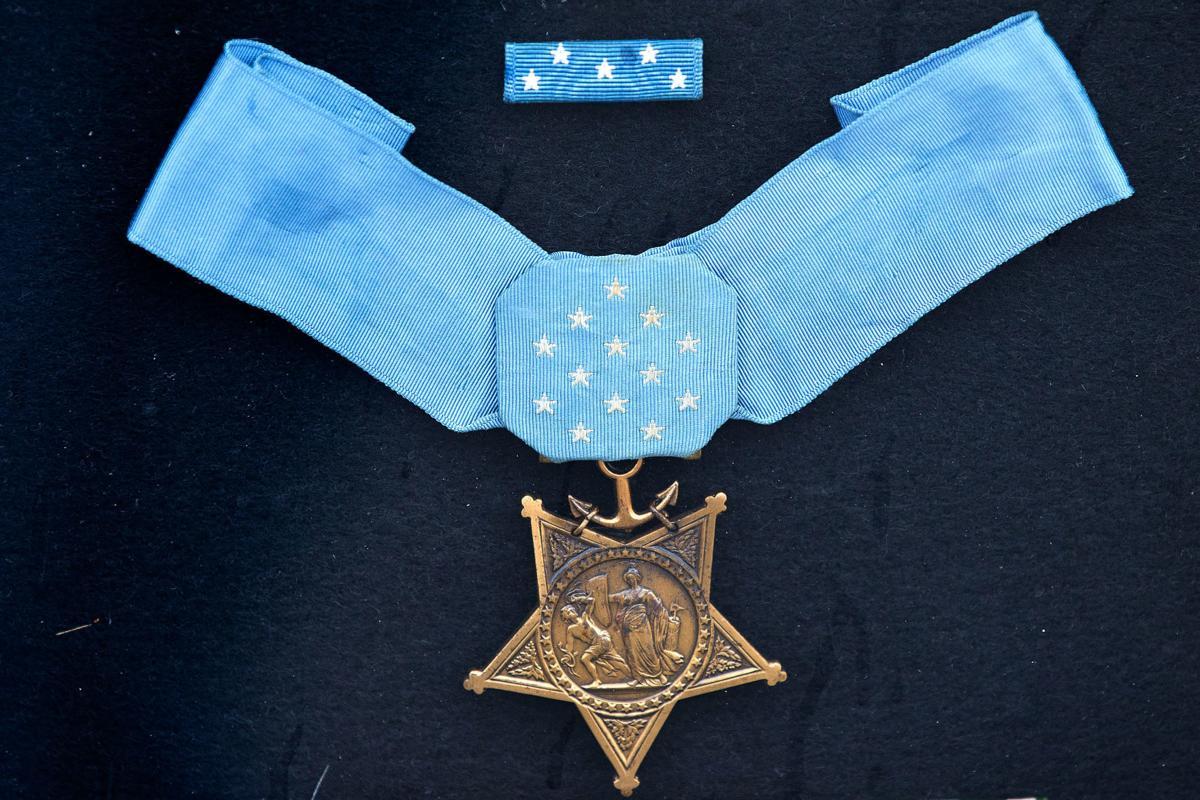 728468 cm-medal02 (copy)