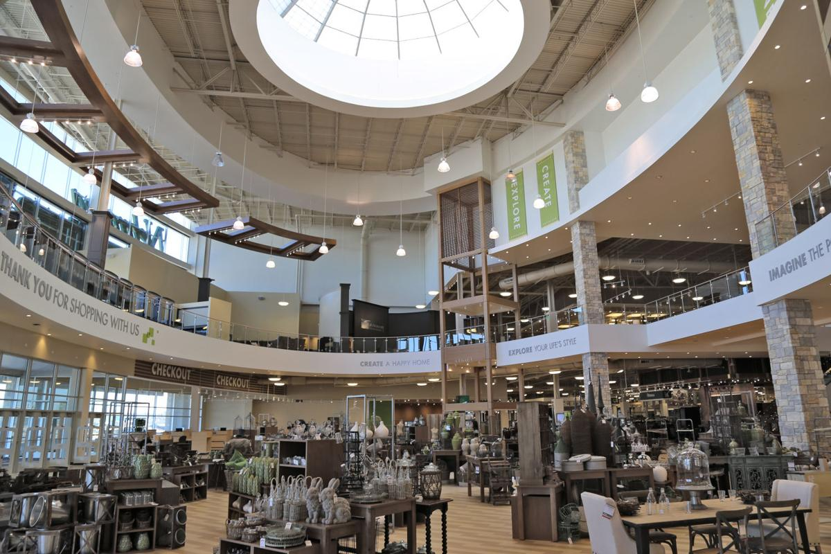 Well prepared in texas nebraska furniture mart aims to for Furniture market