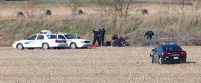 Sarpy man shoots himself while fleeing from officers