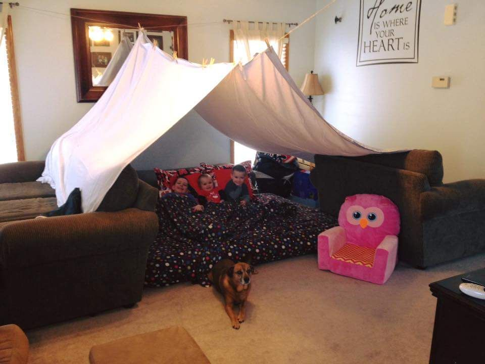 Robert Rezac builds a fort