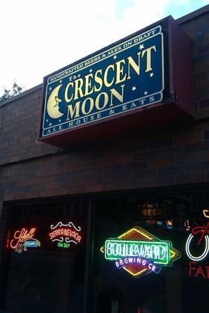 Crescent Moon Ale House | Best Beer Bar | Restaurant | Omaha | Entrance