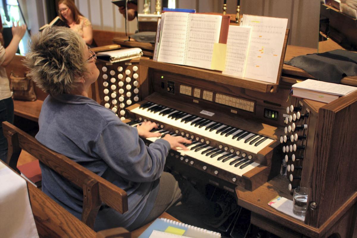 BL organist 1