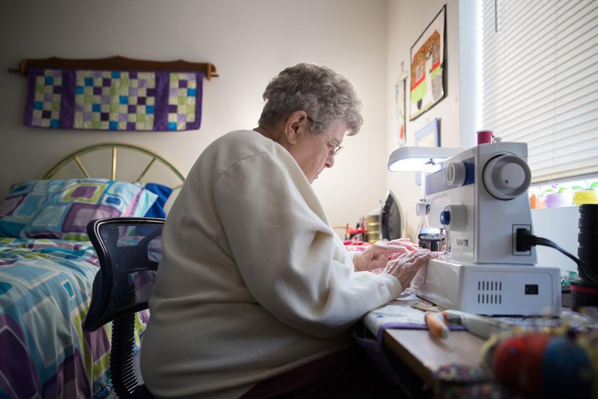 90-year-old Nebraska woman sews 200 pillows a year ...