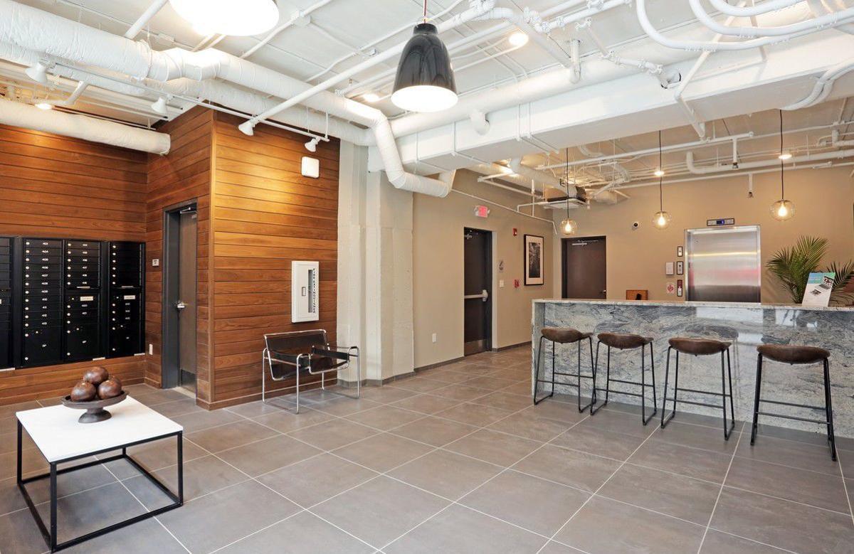 dundee-flats-omaha-ne-lobby