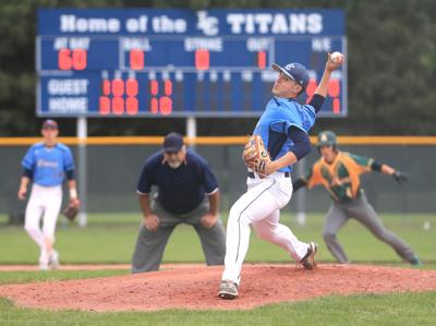 Lewis Central pitcher Drake Nettles ends high school career with win, go-ahead hit