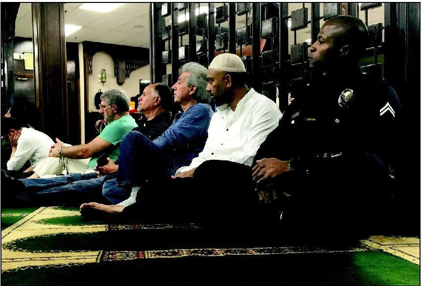 Muslim cop makes L.A. mosques his beat
