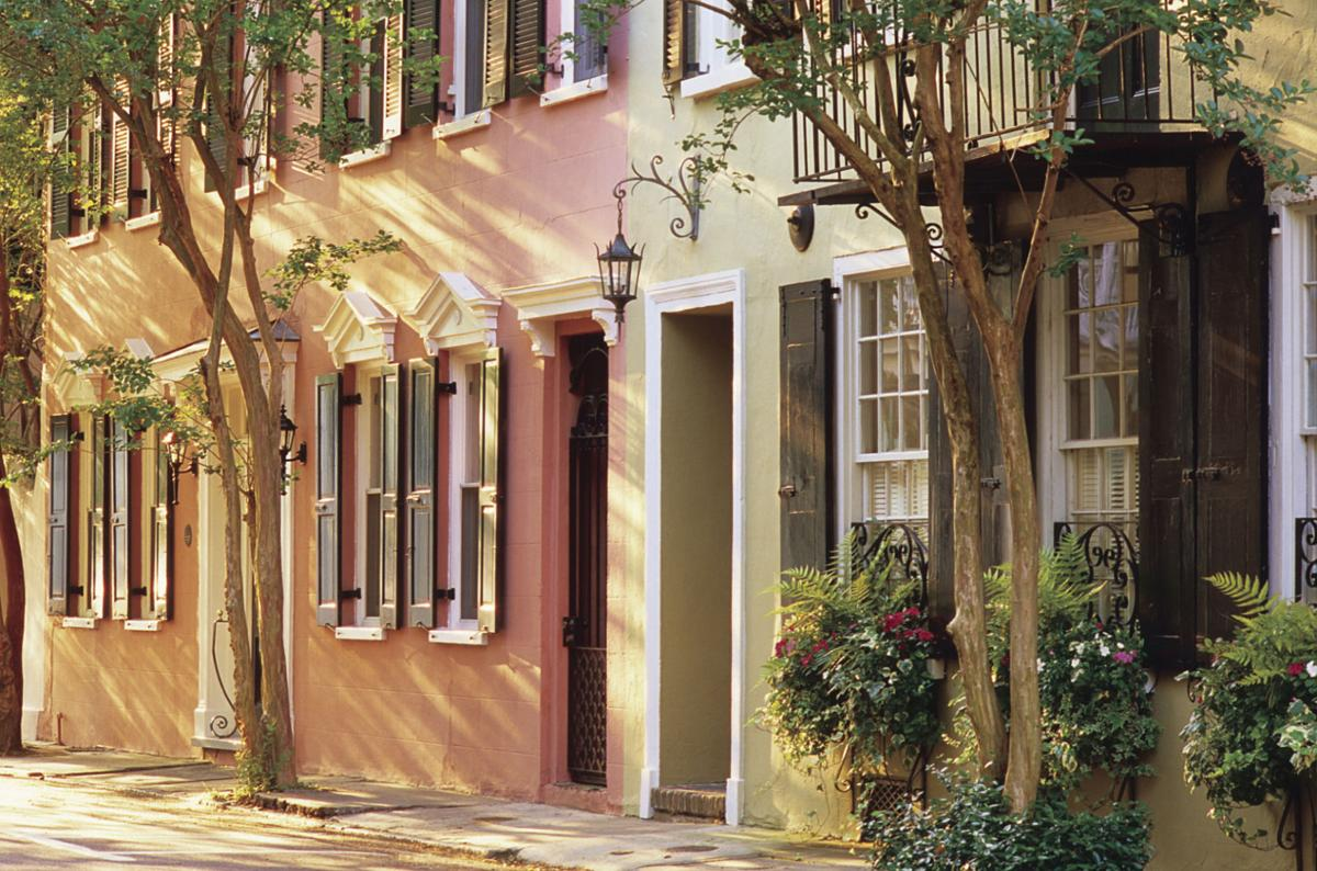 Charleston By Foot Boat And Carriage Lore Of The Deep South