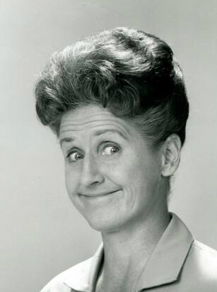 Brady Bunch' actress Ann B. Davis, who played Alice, dies at 88 ...