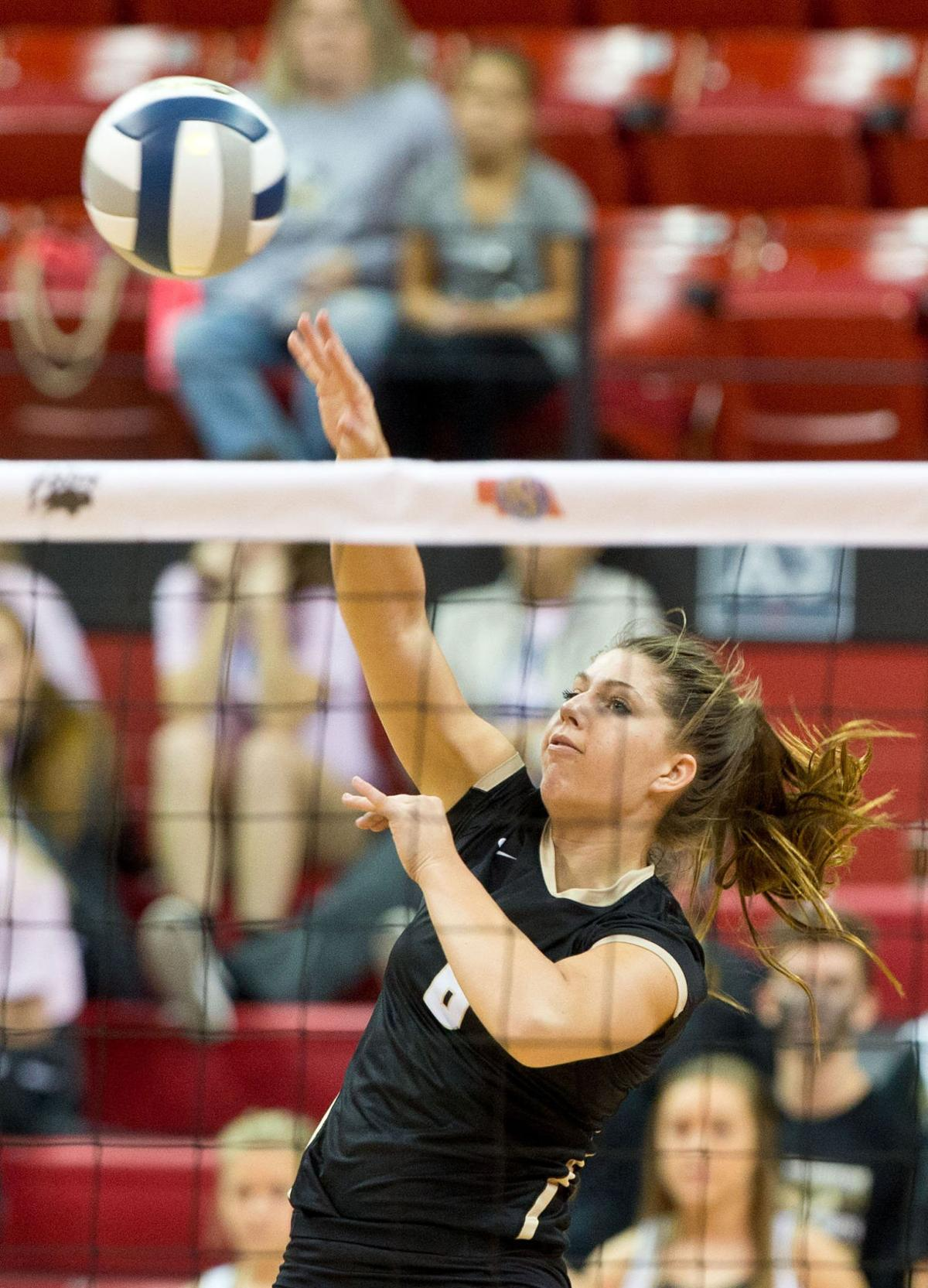 Class B: Omaha Skutt completes undefeated season with sweep
