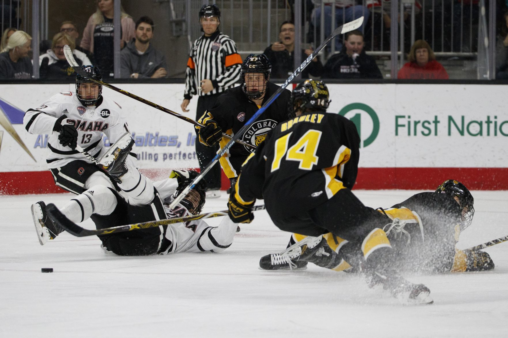 NCHC: No. 14 UNO Ties With Colorado College On Senior Night - Tigers Score In OT For Bonus Point