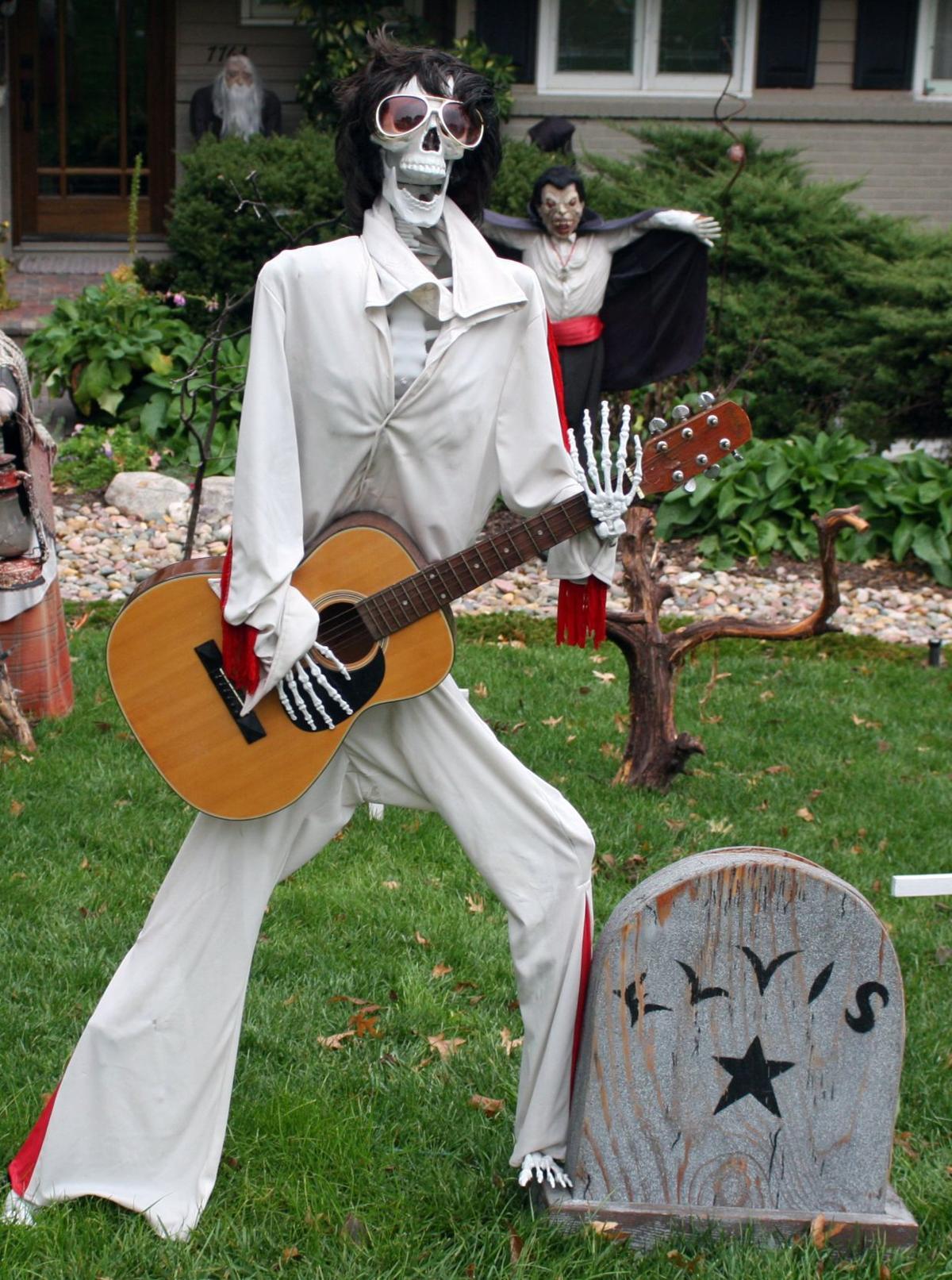 Tourek Embraces Halloween Tradition Ralston Recorder Omaha Com