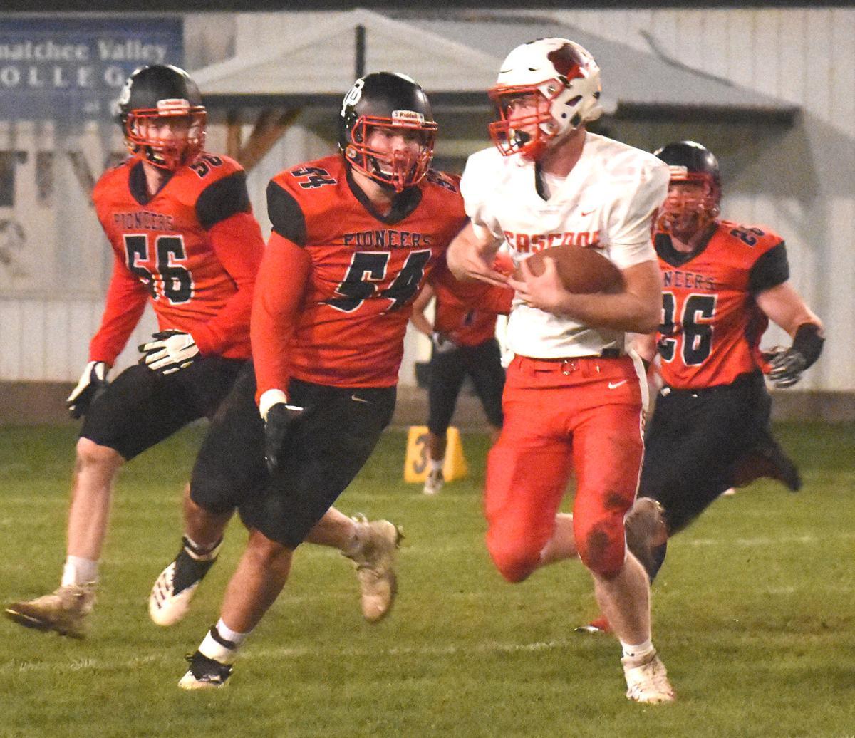 Tanner Sackman tackle