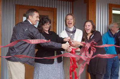 Curlew dedicates first public library