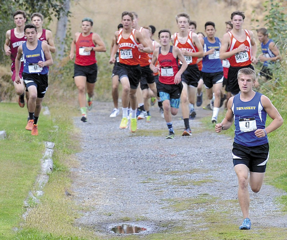 Cashmere takes cross country titles at Okanogan Invitational