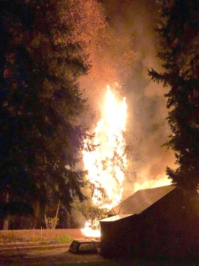 Omak outbuilding destroyed by fire