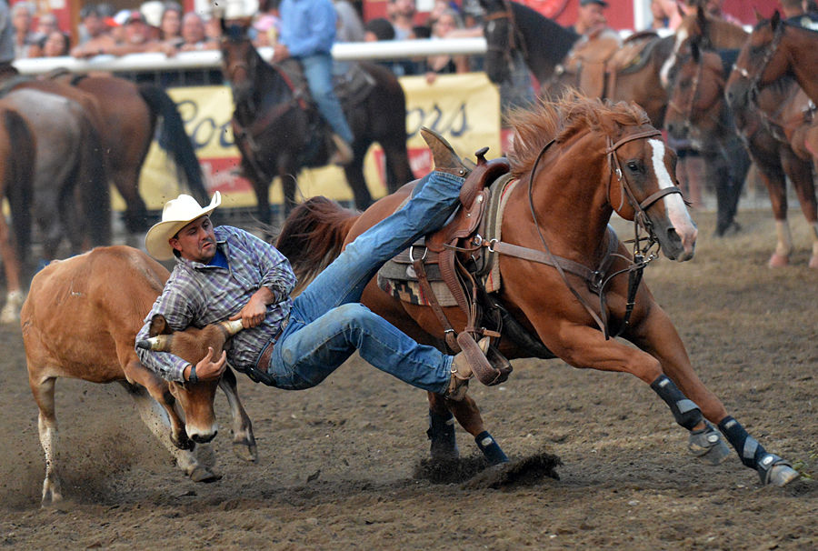 Canadian Breaks Through In Bull Riding At Friday S Omak